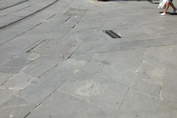 La Geometría de las aceras, Avenida de la Constitución, Sevilla